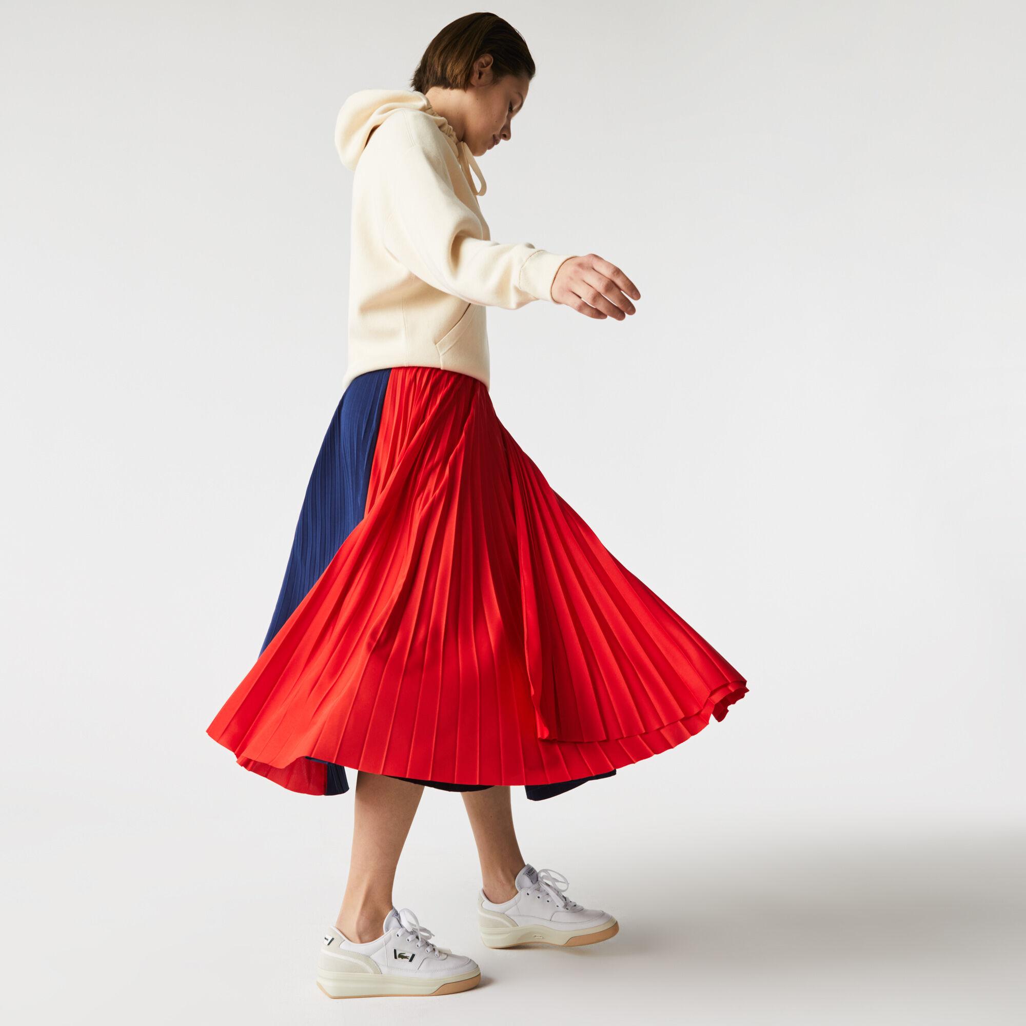تنورة بطيات متوسطة الطول بكتل لونية للنساء