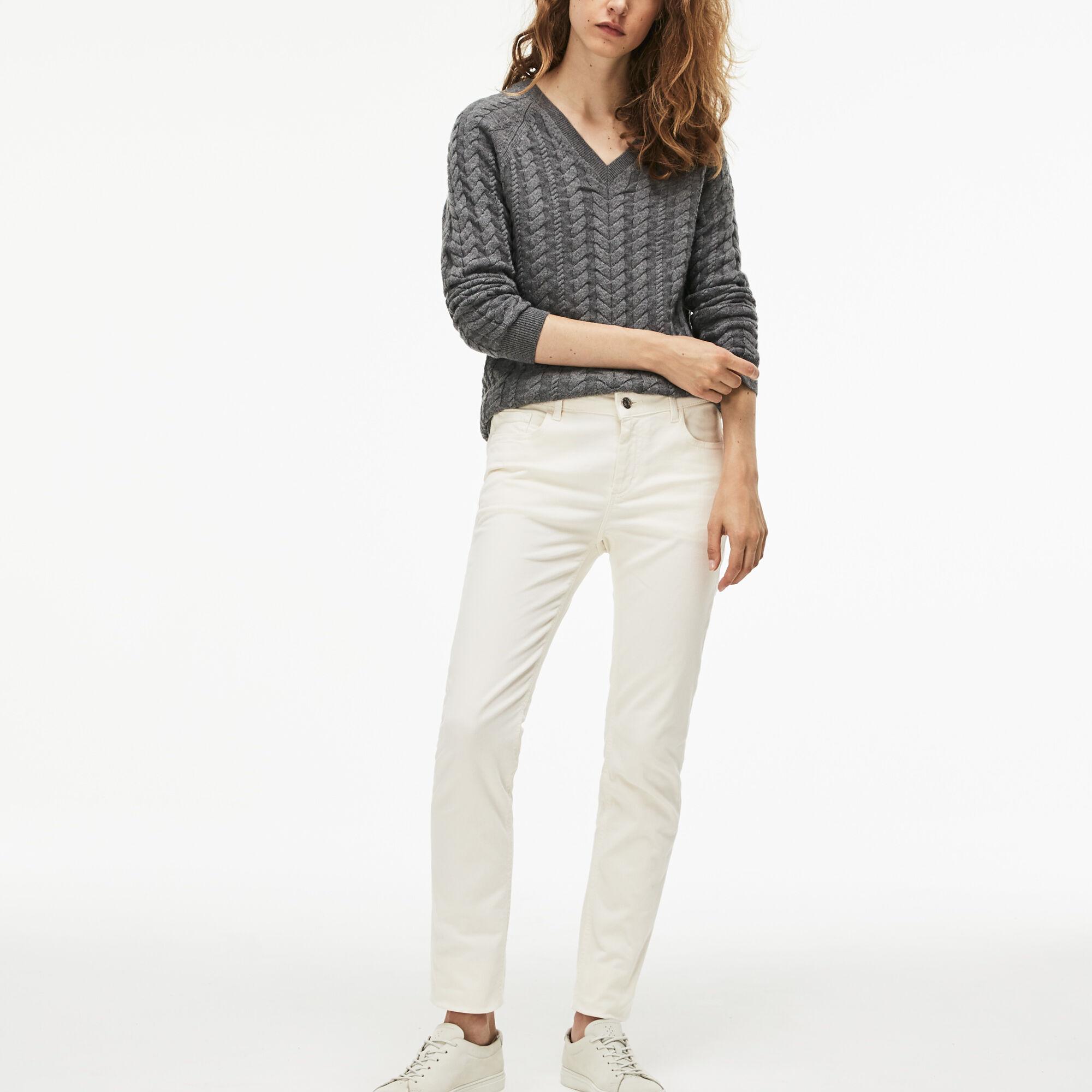 سروال جينز ذو قصة ضيقة من الدنيم القطني المرن للسيدات