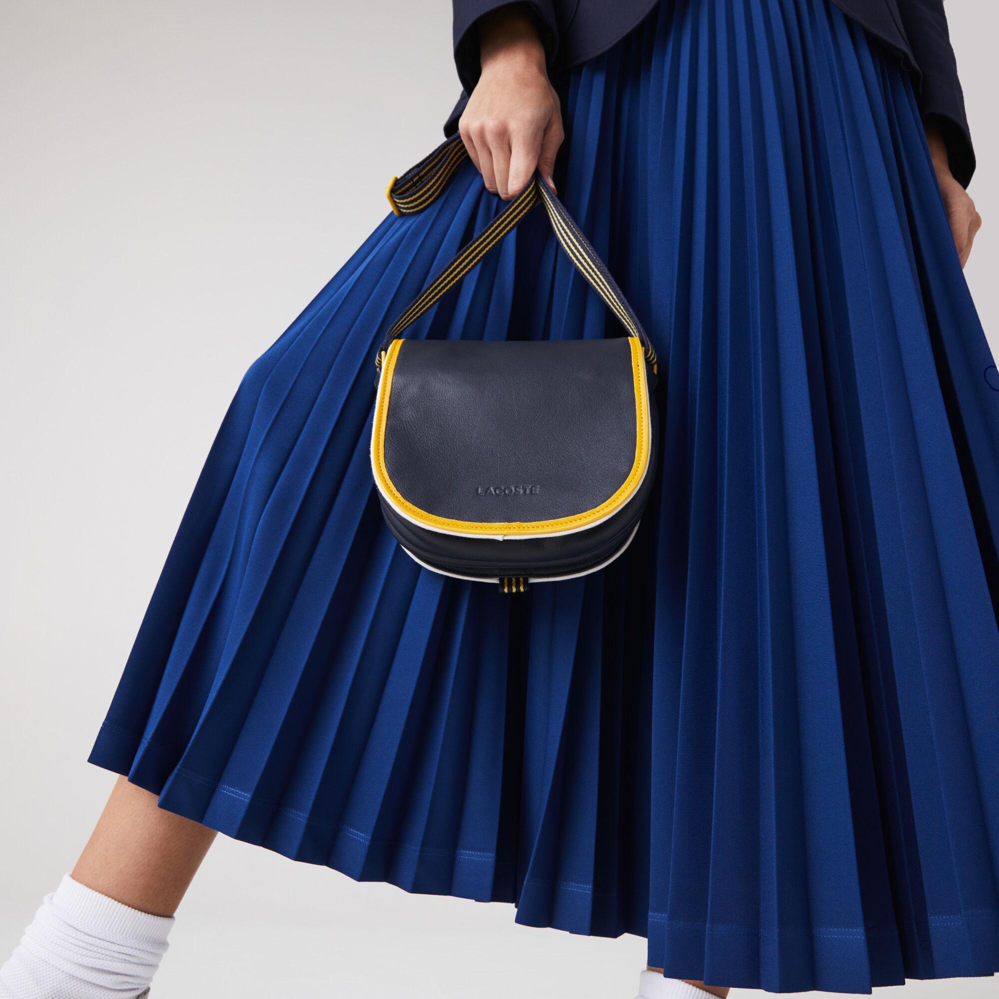 حقيبة هوبو صغيرة مع شريط بلون مختلف من مجموعة Court Line للنساء